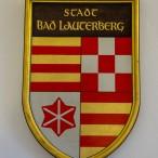 Das alte Bad Lauterberger Wappen war bis zum Zusammenschluss der Stadt mit den Dörfern Barbis. Bartolfelde und Osterhagen 1974 gültig.