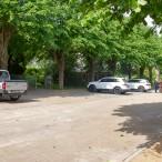 Wo früher oft Pfützen standen, ist der Eingang zum Friedhof jetzt eine saubere Sache geworden.