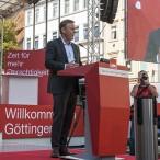 Thomas Oppermann zählte auf, wo sich die SPD in den vergangenen Jahren in der Regierung durchgesetzt hat: mehr Geld für Kommunen, mehr Geld für Pflegekräfte, Kooperationsverbot, so dass der Bund in Bildung investieren darf, und die Ehe für alle.