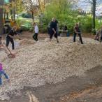 Großer Eifer bei Mitgliedern des Kinderschutzbundes und weiteren Bürgerinnen und Bürgern für den Traumspielplatz