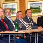 Die Gästereihe. Thomas Gans sitzt neben dem Präsidenten der Schornsteinfegerinnung, Oswald Wilhelm.