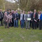 """Die Teilnehmer der Sitzung auf der """"Baustelle"""" der Minigolfanlage im Kurpark    ---  ---   Fotos: K.H.Bleß"""