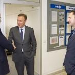 Der eine kam aus Hannover, der andere aus Berlin nach Bad Lauterberg: Begrüßung zwischen Ministerpräsident Stephan Weil und Thomas Oppermann. Rechts Gastgeber Aleksandar Mijovic.