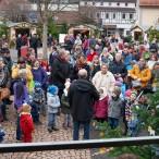 Große Beteiligung von Kindern, Eltern und Großeltern am sozialen Weihnachtsmarkt