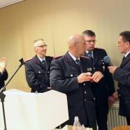 Verdiente Ehrung: Sieghart Röger ist seit 60 Jahren für die Feuerwehr engagiert tätig