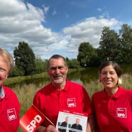 Bei den Gesprächen während des Grünabfalls in Bartolfelde. vlnr: Dr. Gans, Uwe Speit, Petra Schultheis