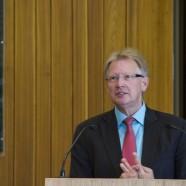 Gab den KGS-Schülerinnen und Schülern seinen Rat mit auf den Weg: Bürgermeister Dr. Thomas Gans      ------   Fotos: K.H.Bleß