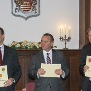 3. Dezember 2014: Erster Kreisrat Gero Geißlreiter, Finanzminister Boris Pistorius und Bürgermeister Dr. Thomas Gans haben den Zukunftsvertrag unterzeichnet.    ---   ---   Fotos: K.H.Bleß
